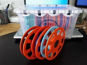 Material: PLA Babyblau, orange<br>Layer: 0.2 mm<br>Drucker: up!mini<br>