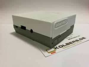 Bay NES Gehäuse für Raspberrry Pi.<br>Material: PLA grau und weiss<br>Layer: 0.2 mm <br>Drucker: Prusa I3<br>